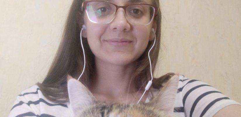 Anna Iankovskaia and her cat